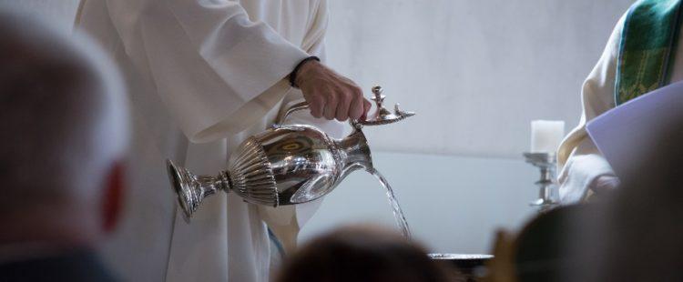 Le baptême : origine, histoire et symbole